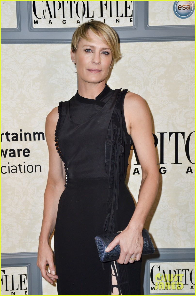 robin wright house of cards cast meet the real politicians 083104234