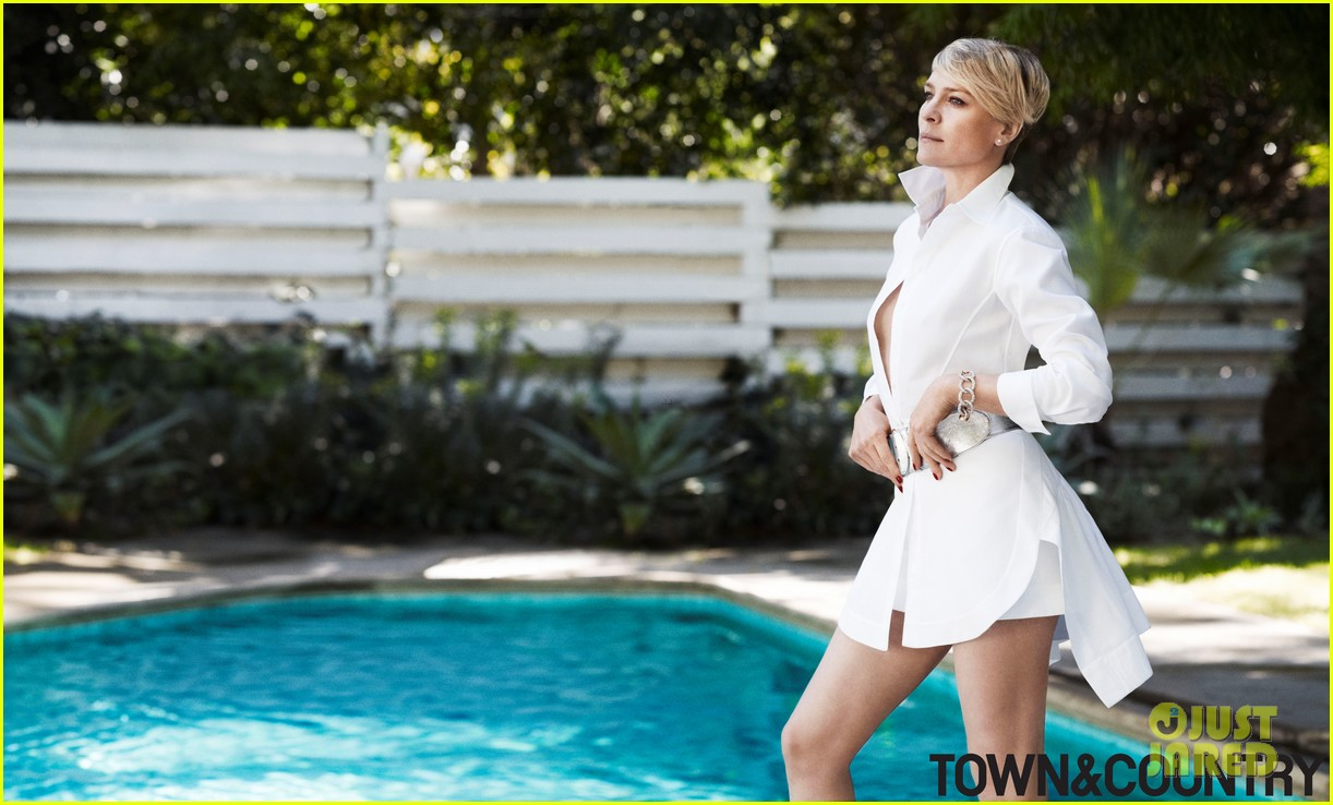 robin wright covers town country june july 2014 043113977
