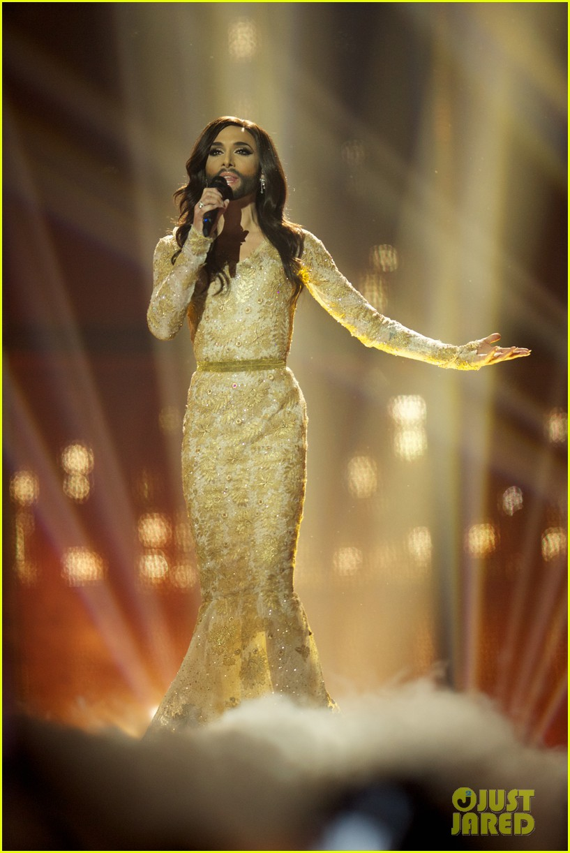 conchita wurst bearded drag queen wins eurovision 013110275