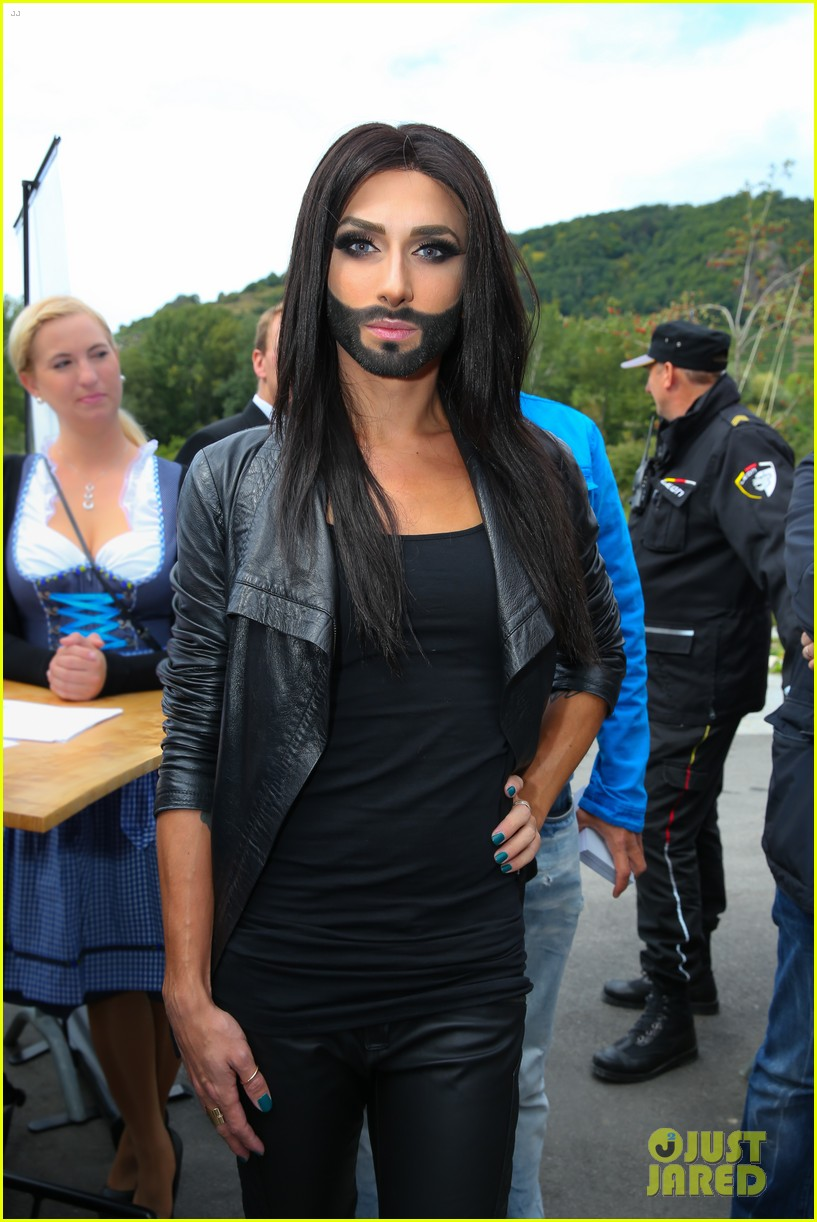 conchita wurst bearded drag queen wins eurovision 053110279