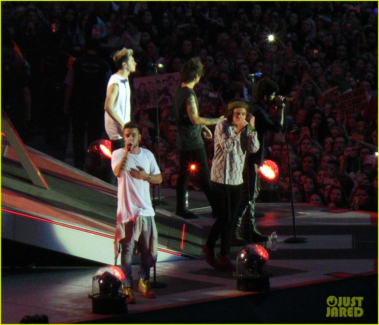one direction wembley performance june 023130324