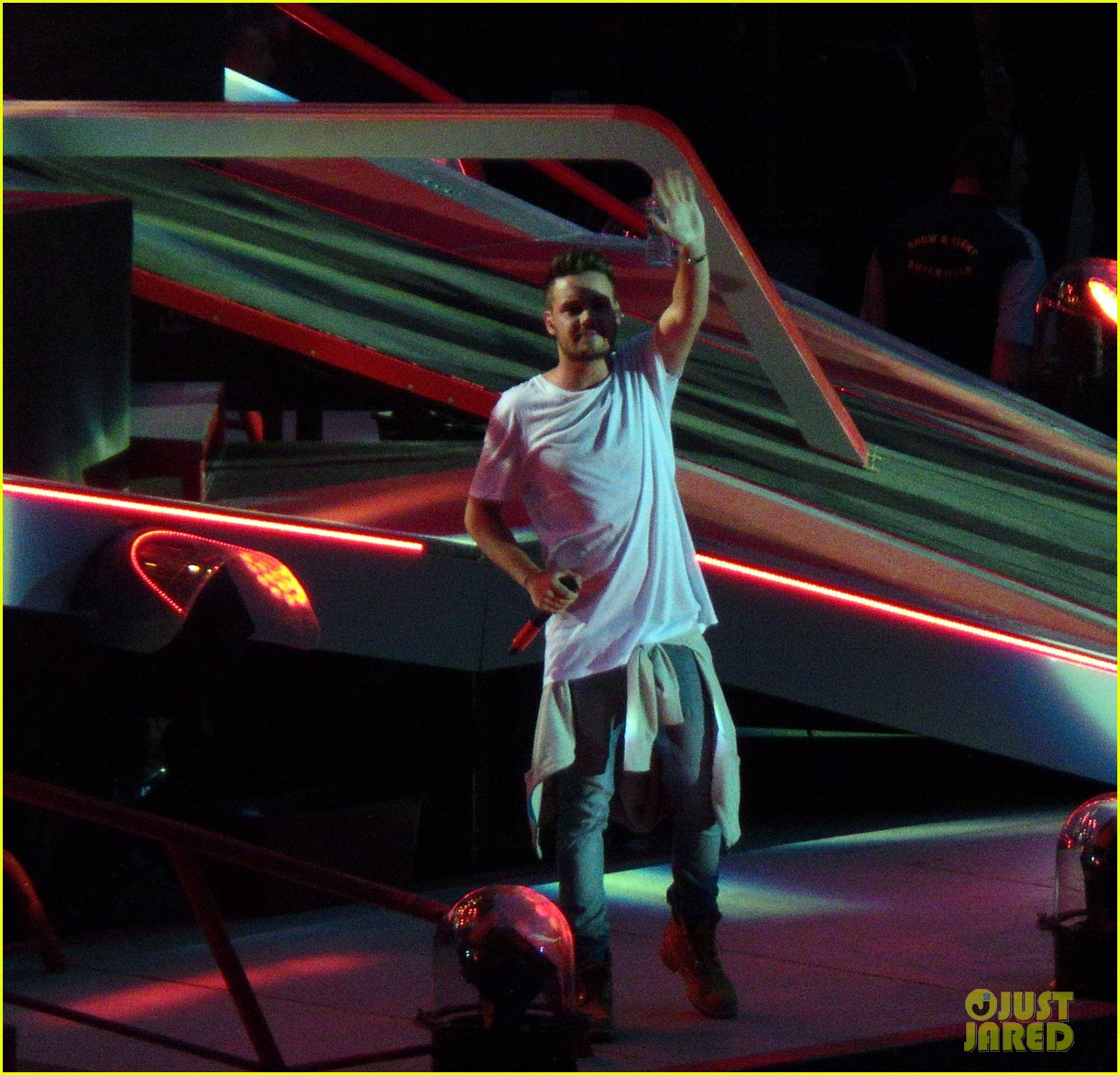 one direction wembley performance june 053130327
