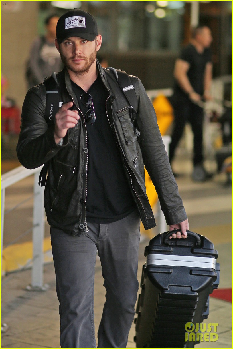 jensen ackles wants you points out photogs 073143614