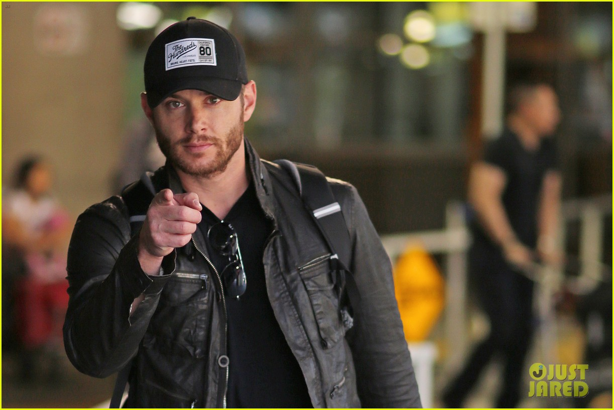 jensen ackles wants you points out photogs 083143615
