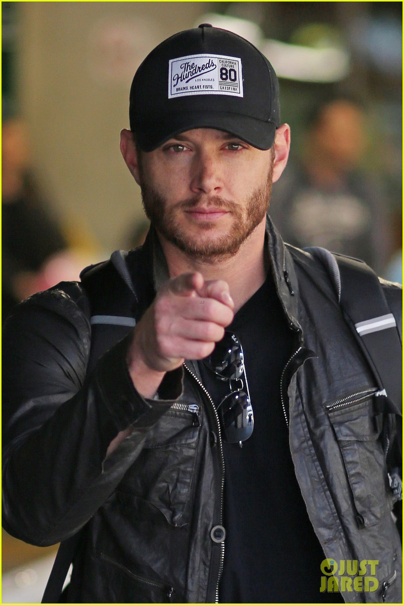 jensen ackles wants you points out photogs 093143616