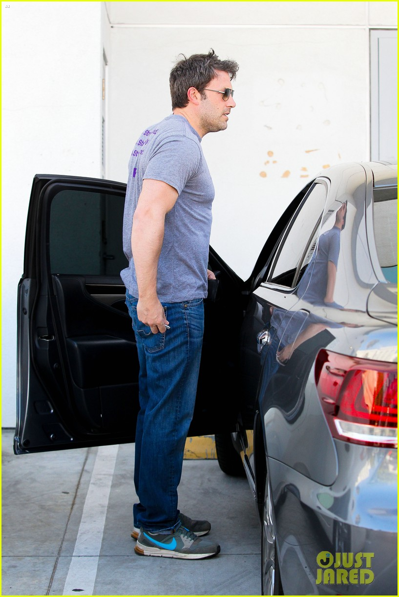 ben affleck bulked up for batman 08