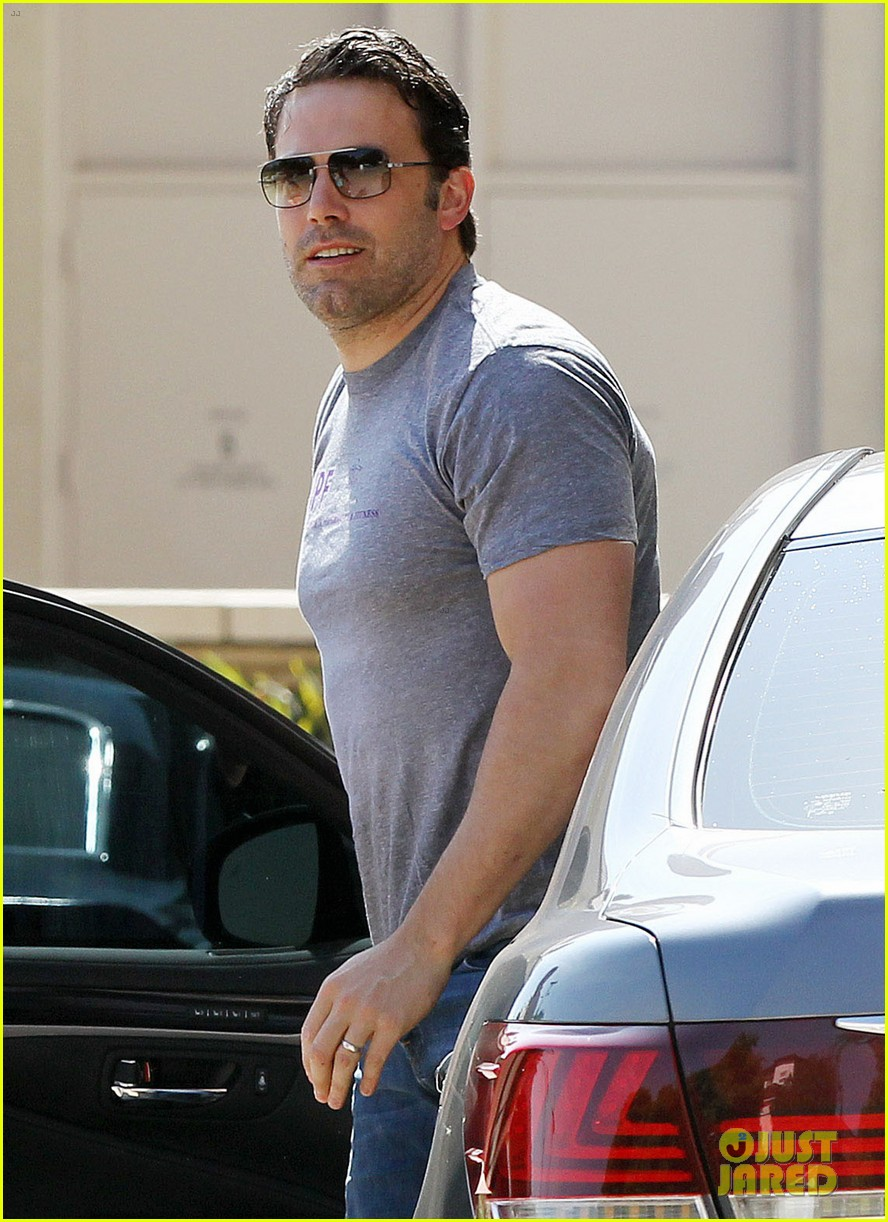 ben affleck bulked up for batman 113136165