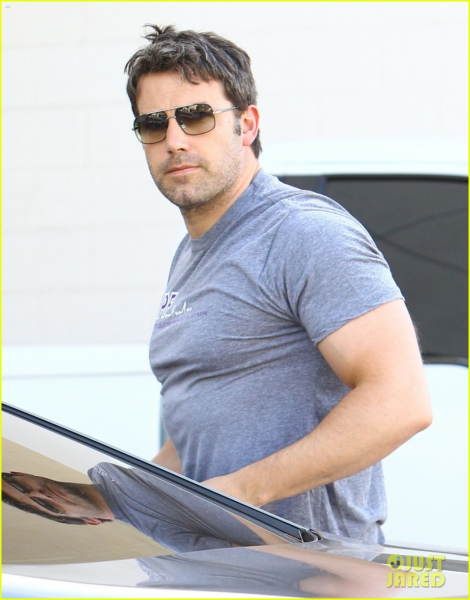 ben affleck bulked up for batman 163136170