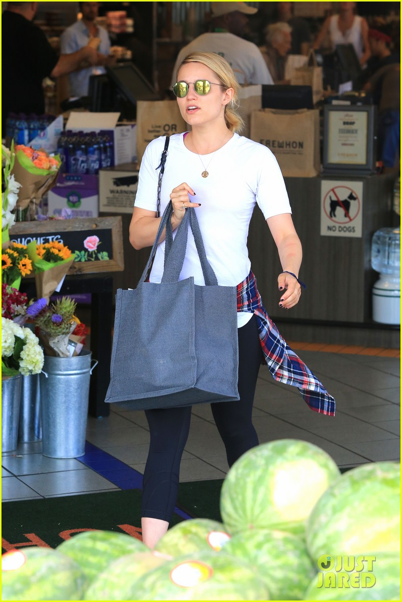 dianna agron erewhon juice boxing fan 013132587