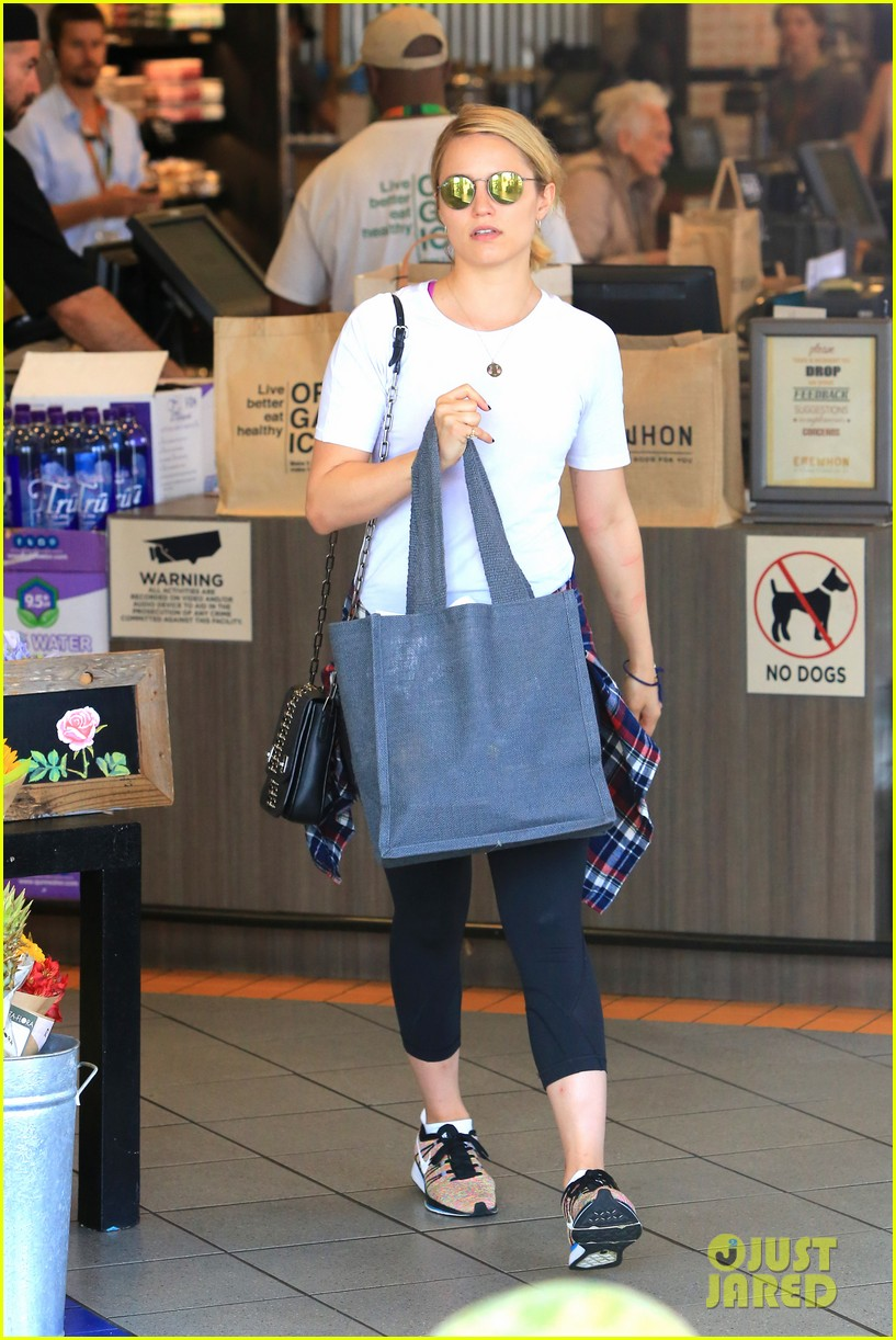 dianna agron erewhon juice boxing fan 083132594