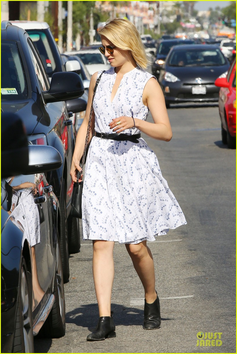 dianna agron goes down under for beau thomas cocquerel 083130242