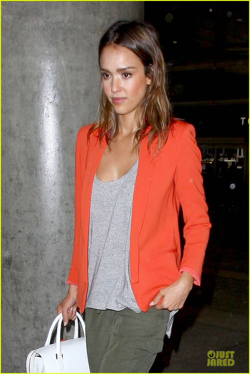 jessica alba red hot arrival at lax airport 023142834