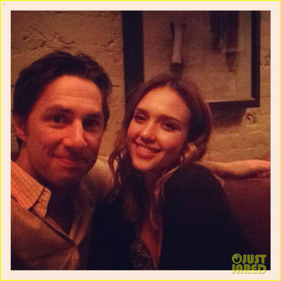 jessica alba raves about zach braff bullets over broadway 033134991