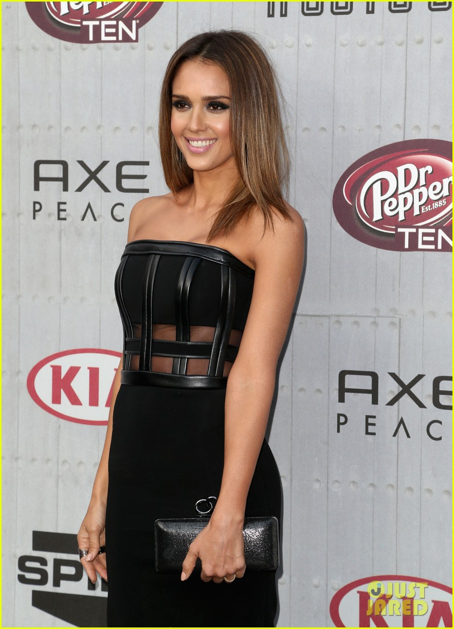 jessica alba jaime king guys choice awards 2014 023130712