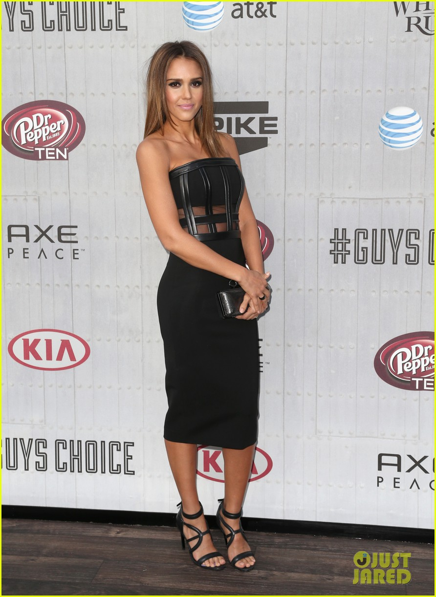 jessica alba jaime king guys choice awards 2014 08