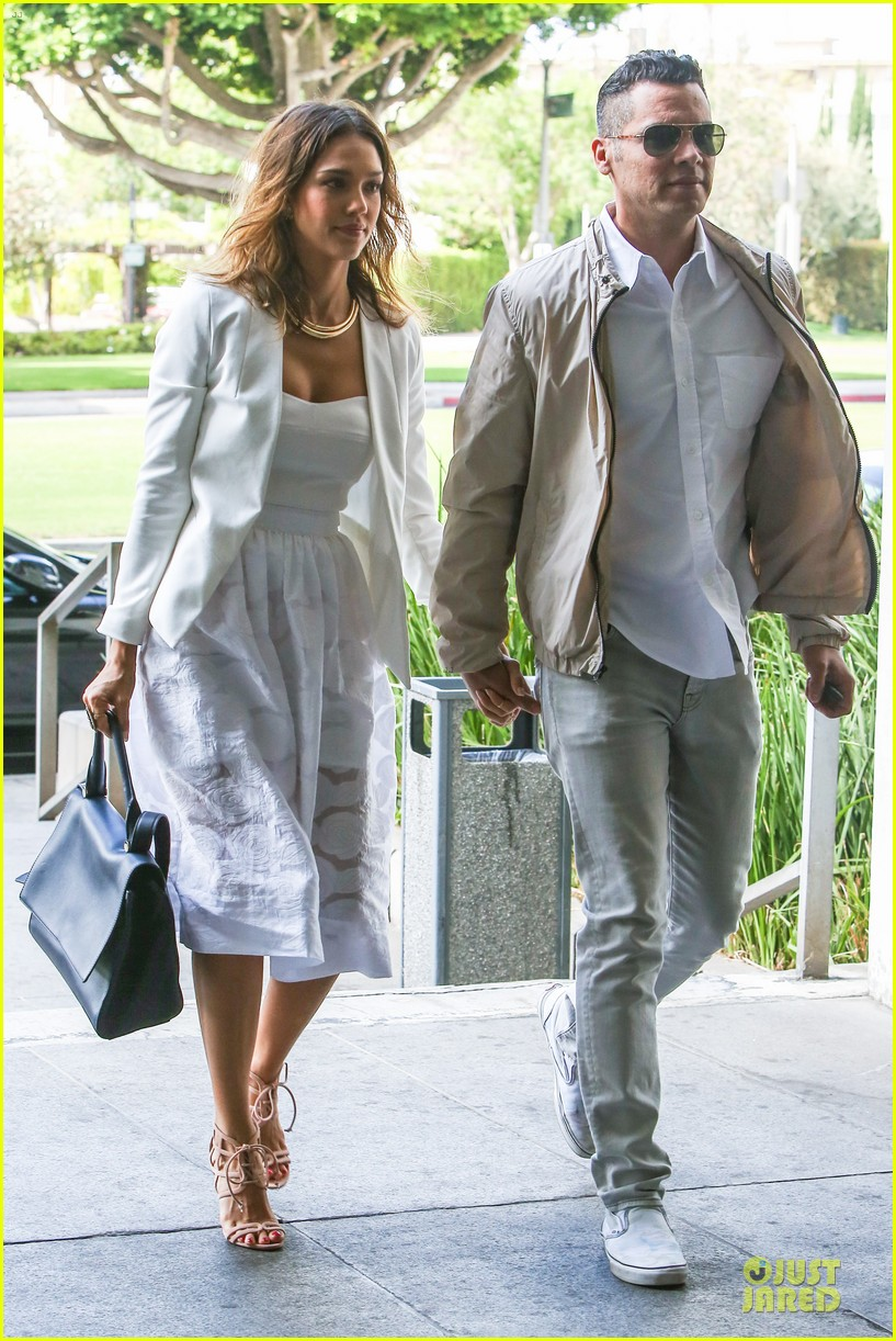 jessica alba reveals secrets to happy marriage 153145357
