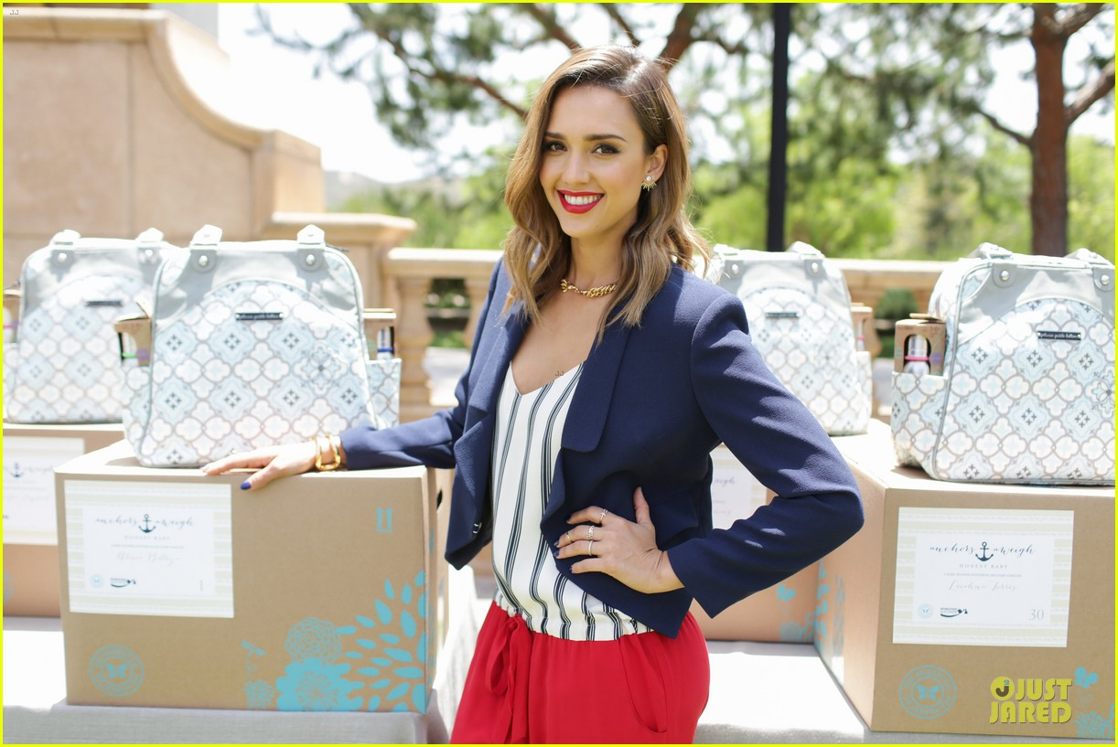 jessica alba baby shower for us navy families 153127527