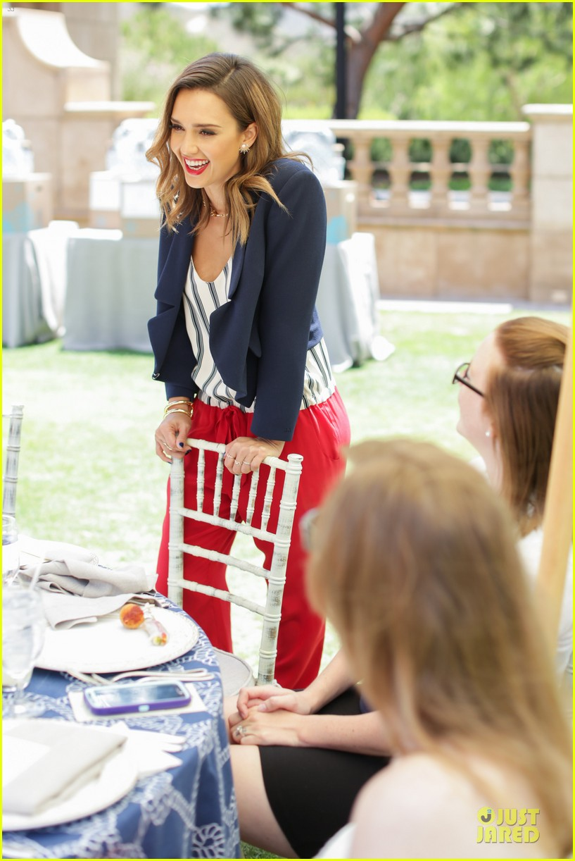 jessica alba baby shower for us navy families 163127528