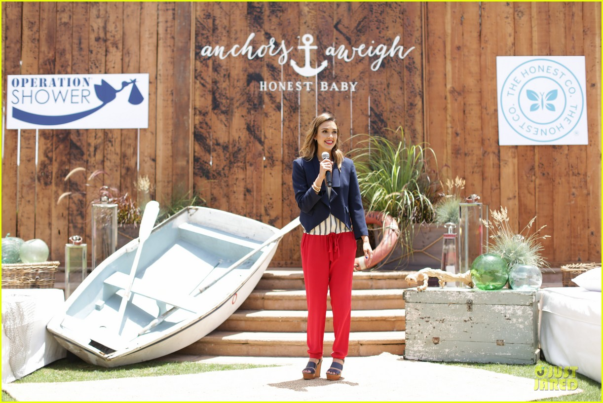 jessica alba baby shower for us navy families 17