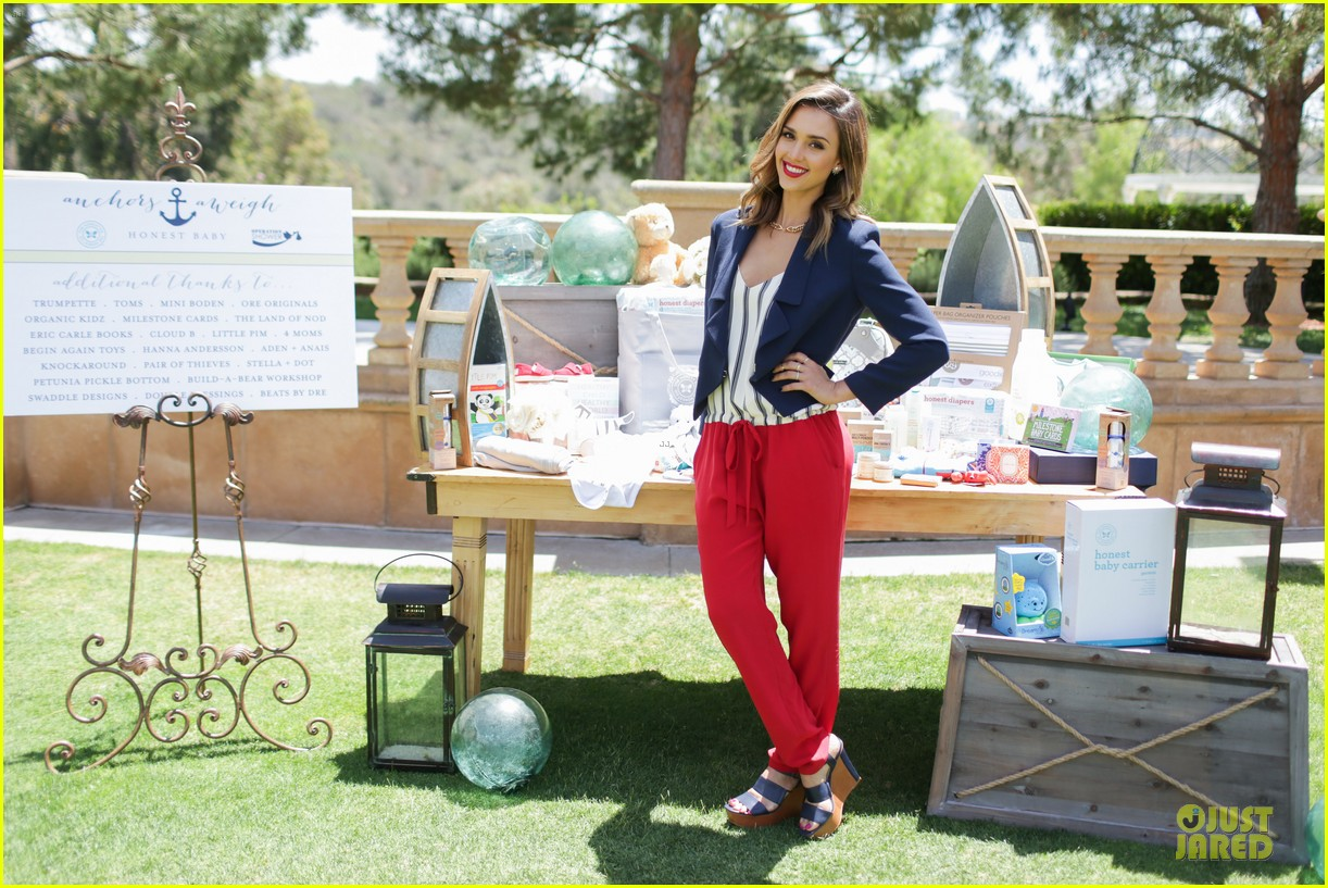 jessica alba baby shower for us navy families 203127532