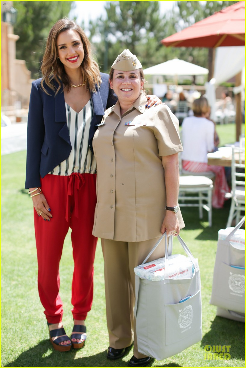 jessica alba baby shower for us navy families 223127534