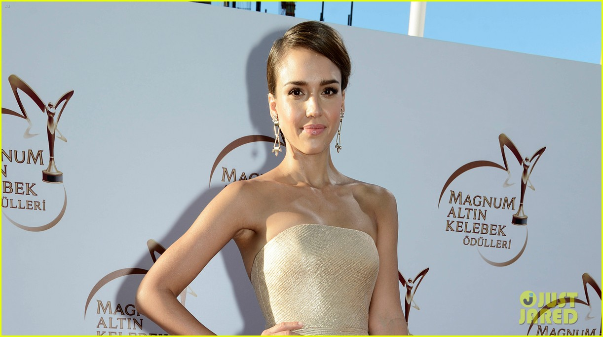 jessica alba plays dress up while spending time in turkey 073141634