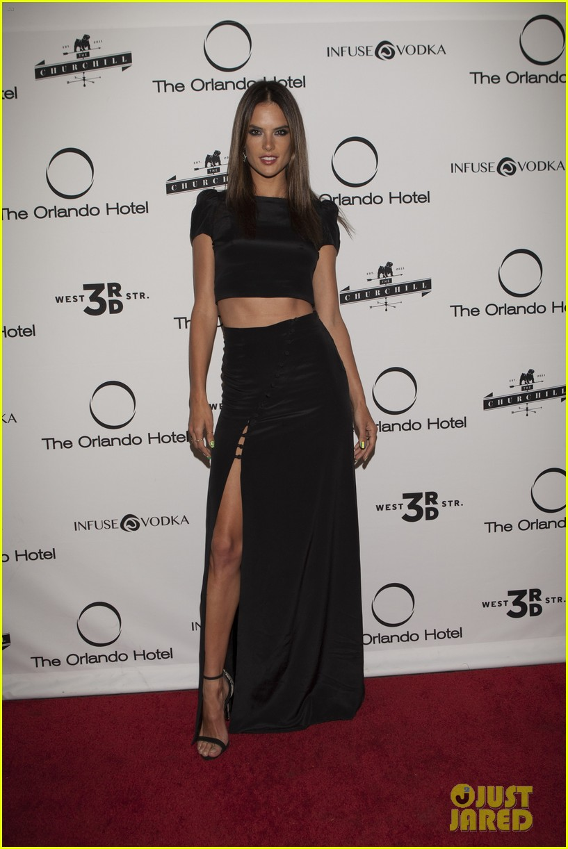 alessandra ambrosio shows off her fabulous figure at orlando hotel party 02