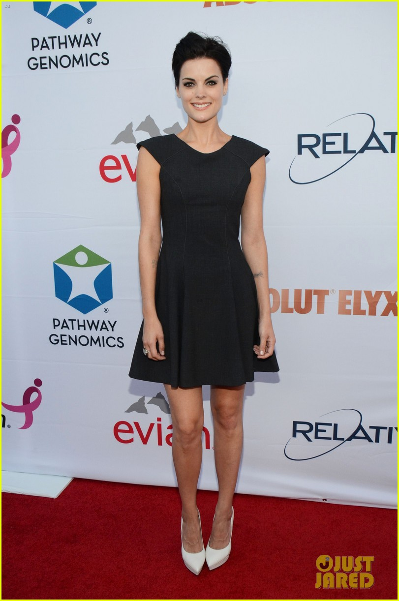 alessandra ambrosio sophia bush support breast cancer at pathway to the cures 013133798