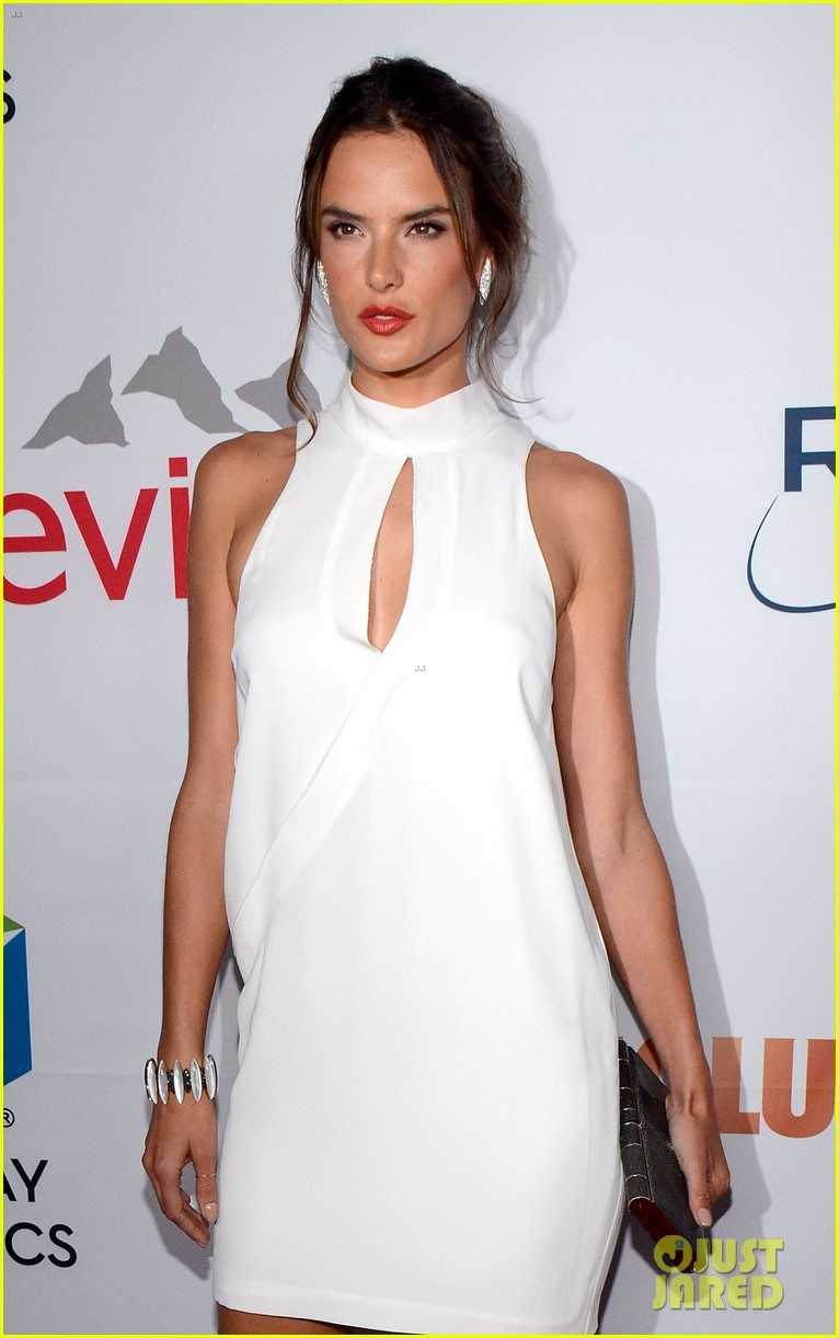 alessandra ambrosio sophia bush support breast cancer at pathway to the cures 023133799