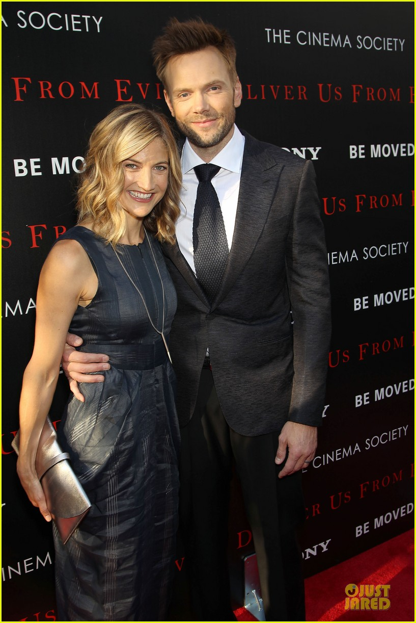 eric bana joel mchale delivers us from evil in nyc 043142743