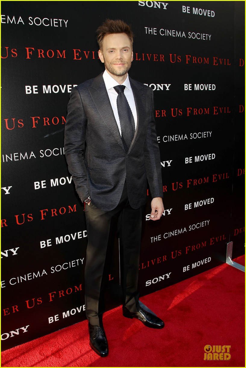 eric bana joel mchale delivers us from evil in nyc 063142745