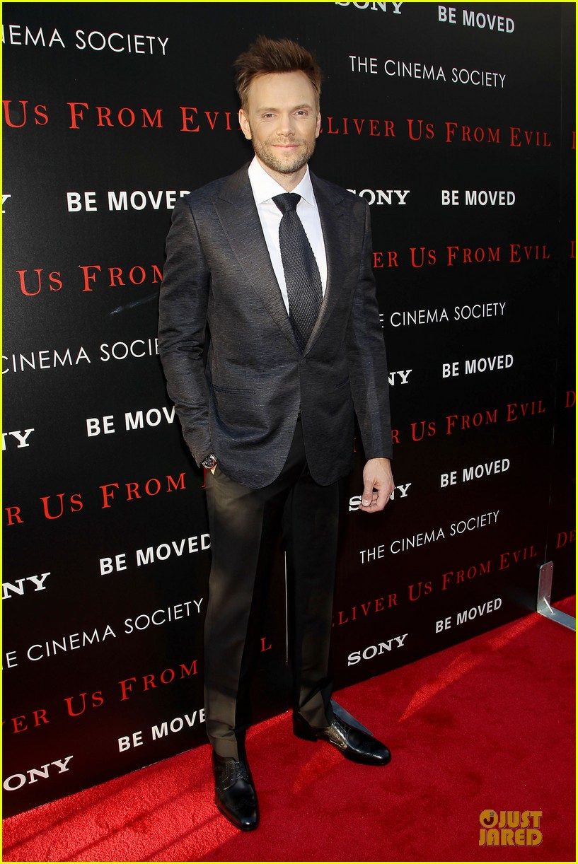 eric bana joel mchale delivers us from evil in nyc 073142746