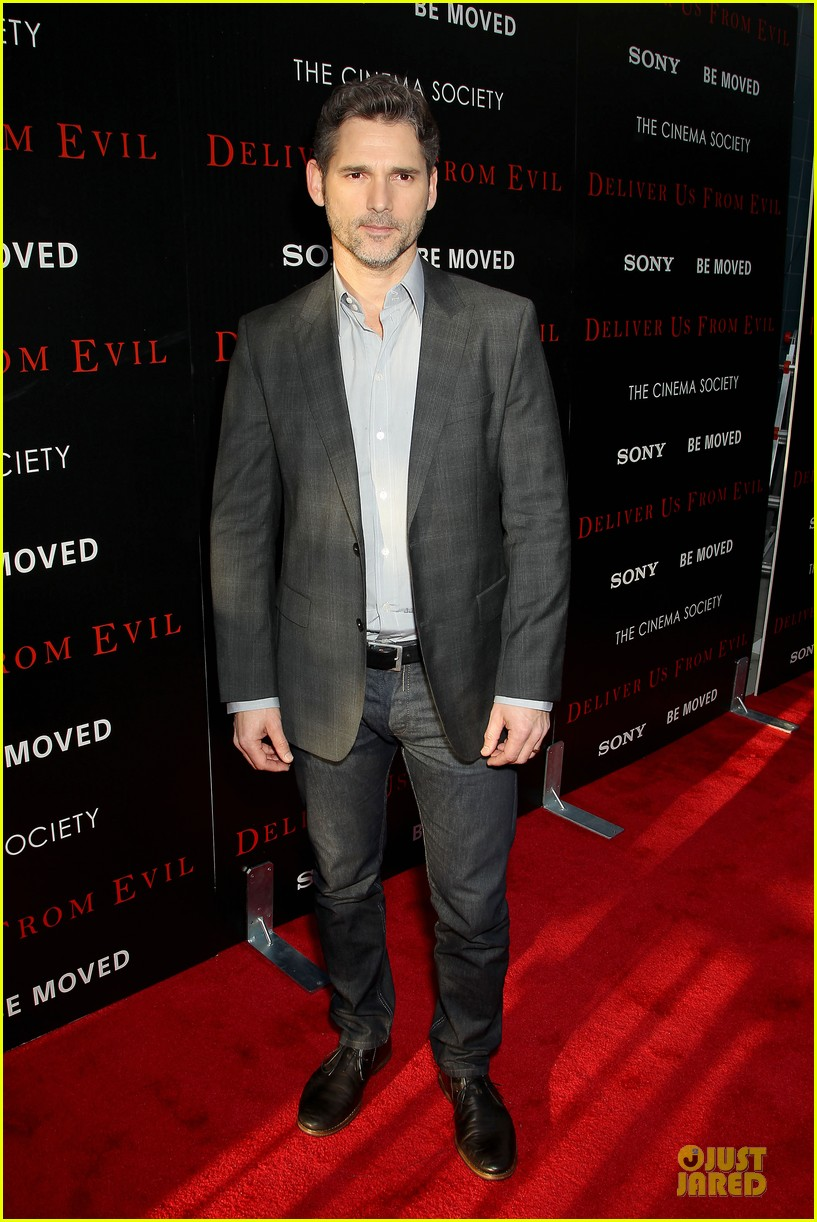 eric bana joel mchale delivers us from evil in nyc 153142754