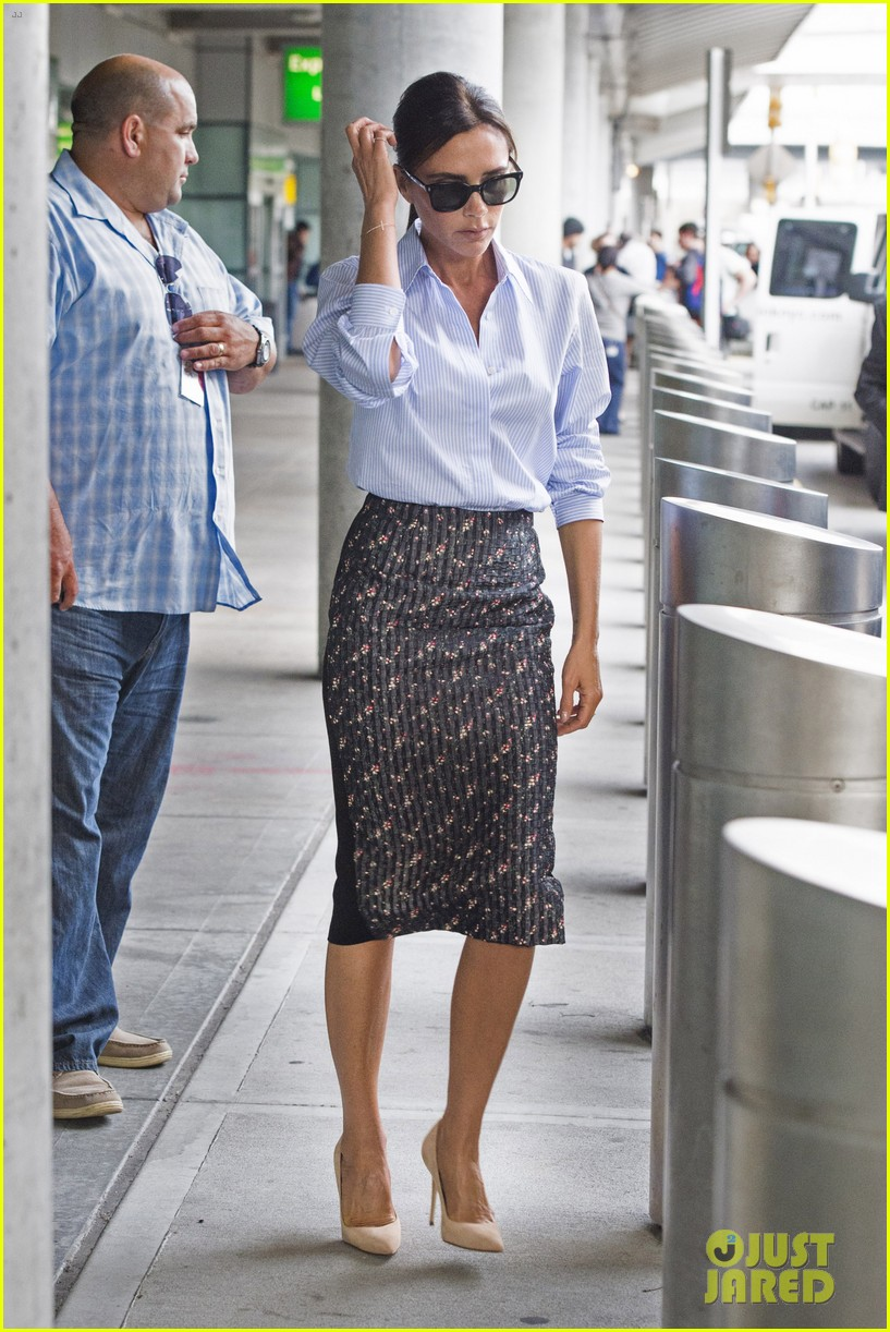 victoria beckham goes business chic for a flight 143131653
