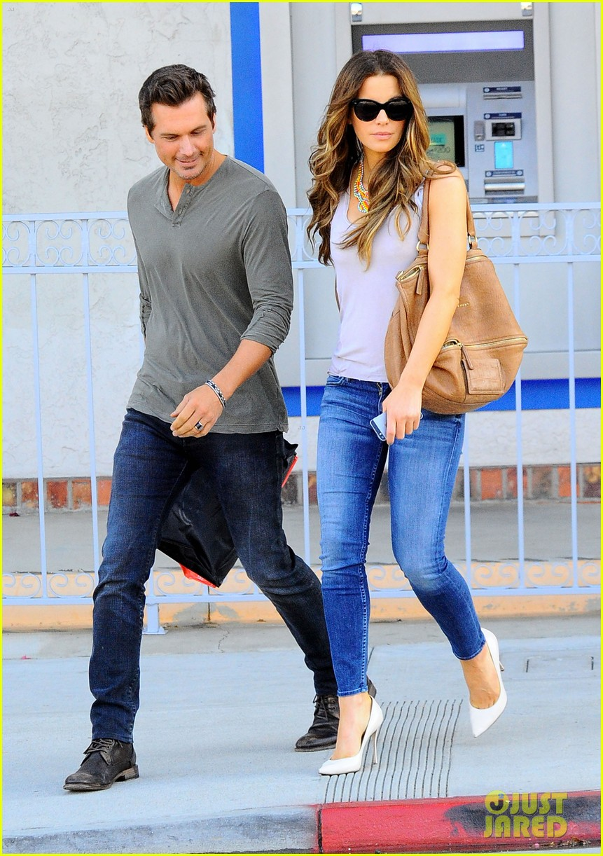 kate beckinsale len wiseman make a cute couple in santa monica 013141450