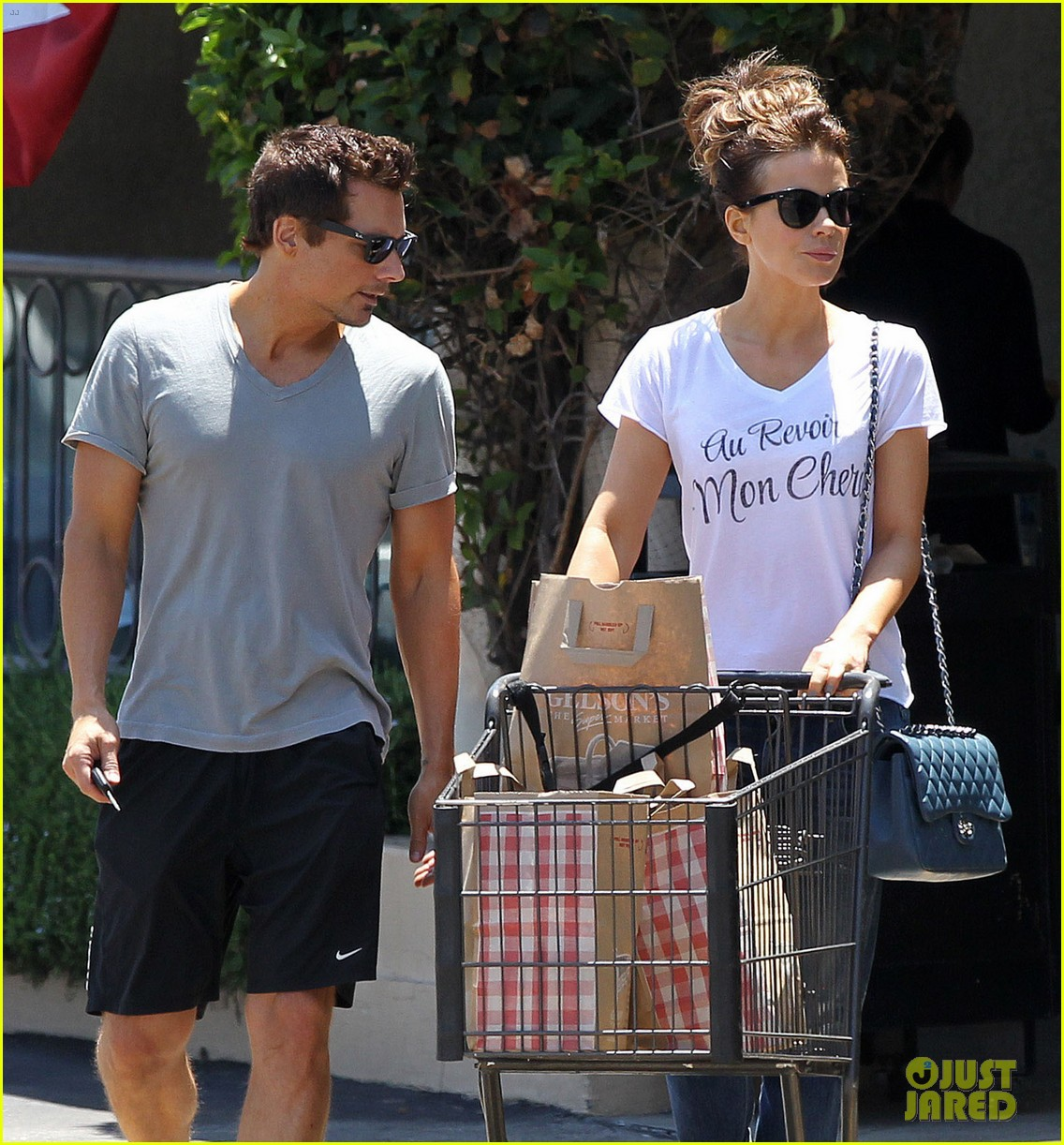 kate beckinsale len wiseman stock up on groceries 10