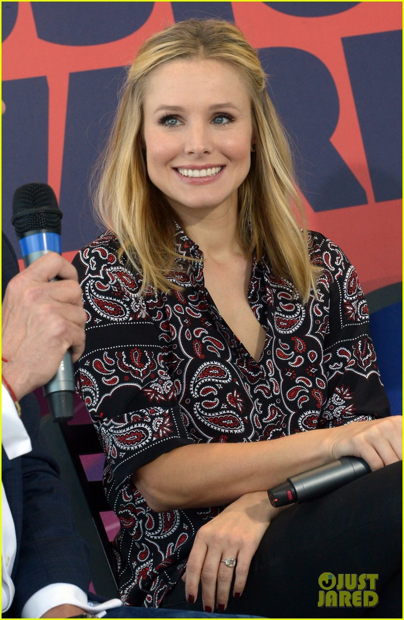 kristen bell steps out for cmt awards press conference 083127916