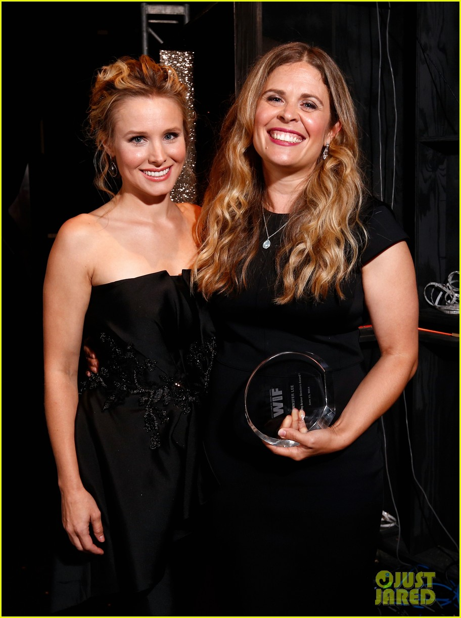 kristen bell crystal lucy awards 083134005