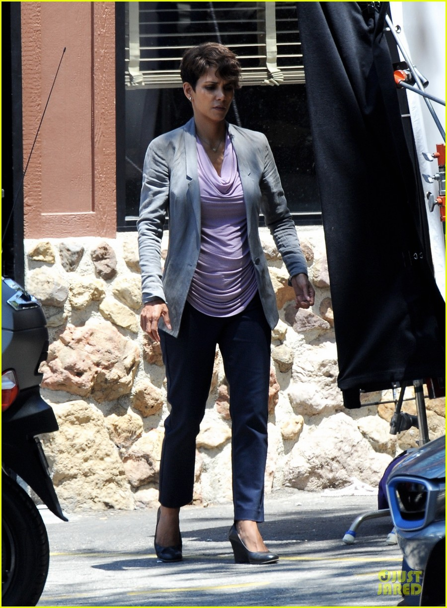 halle berry has extant on her mind 013132888