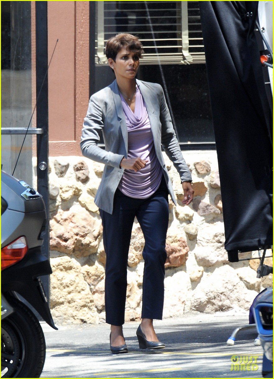 halle berry has extant on her mind 073132894