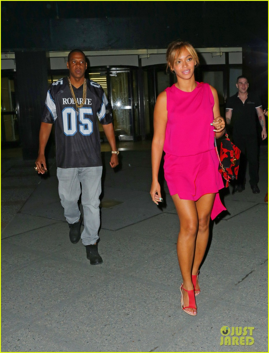 beyonce jay z are all smiles stepping out nyc 053128526