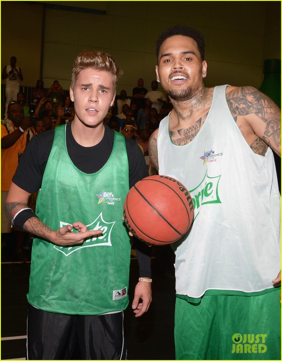 justin bieber chris brown bet celeb basketball game 303145705
