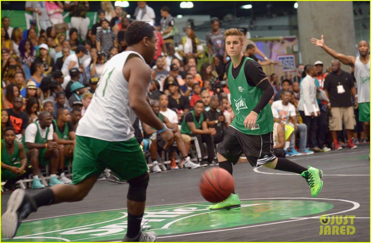 justin bieber chris brown bet celeb basketball game 313145706