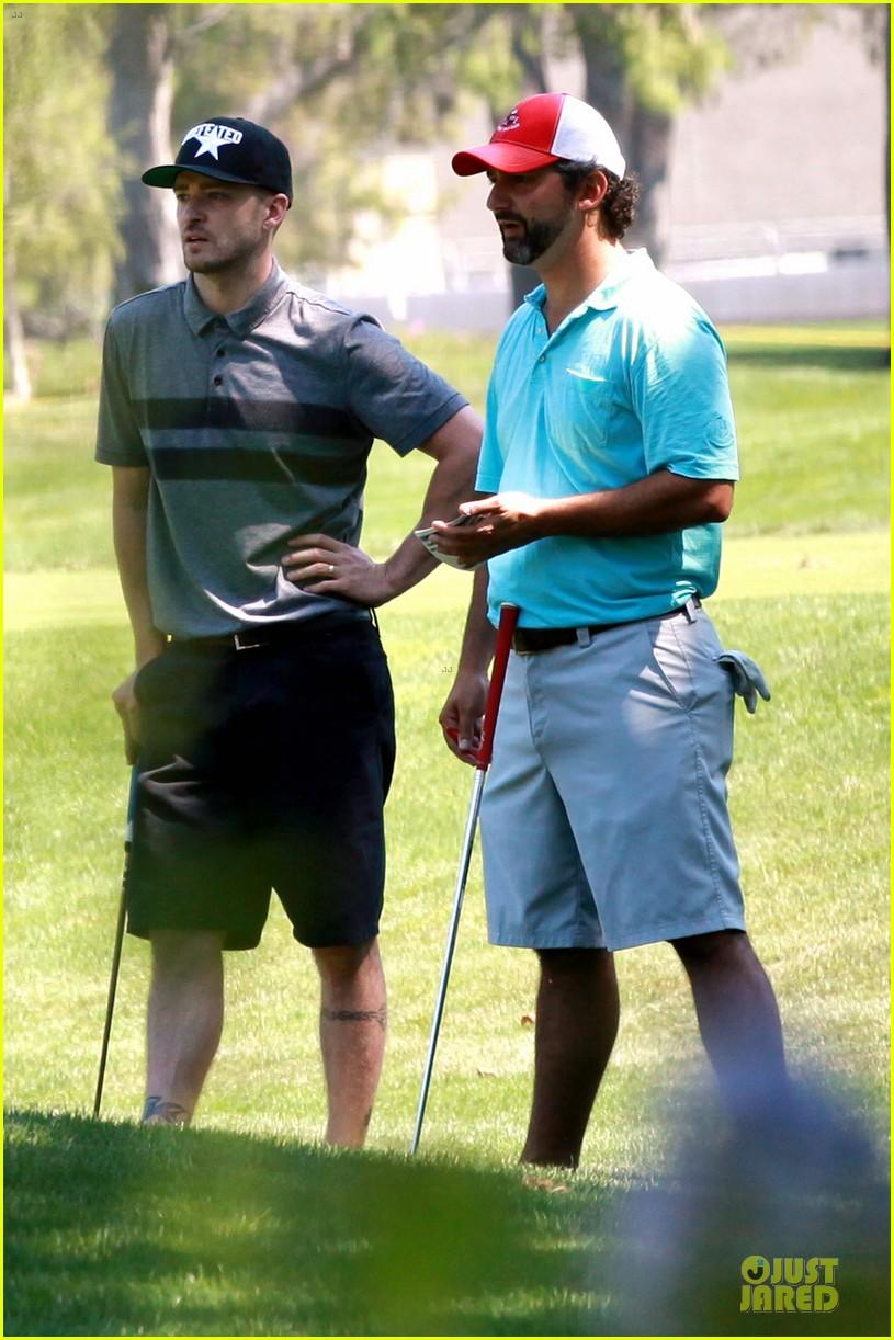 justin timberlake gets jessica biel to play golf 013147132