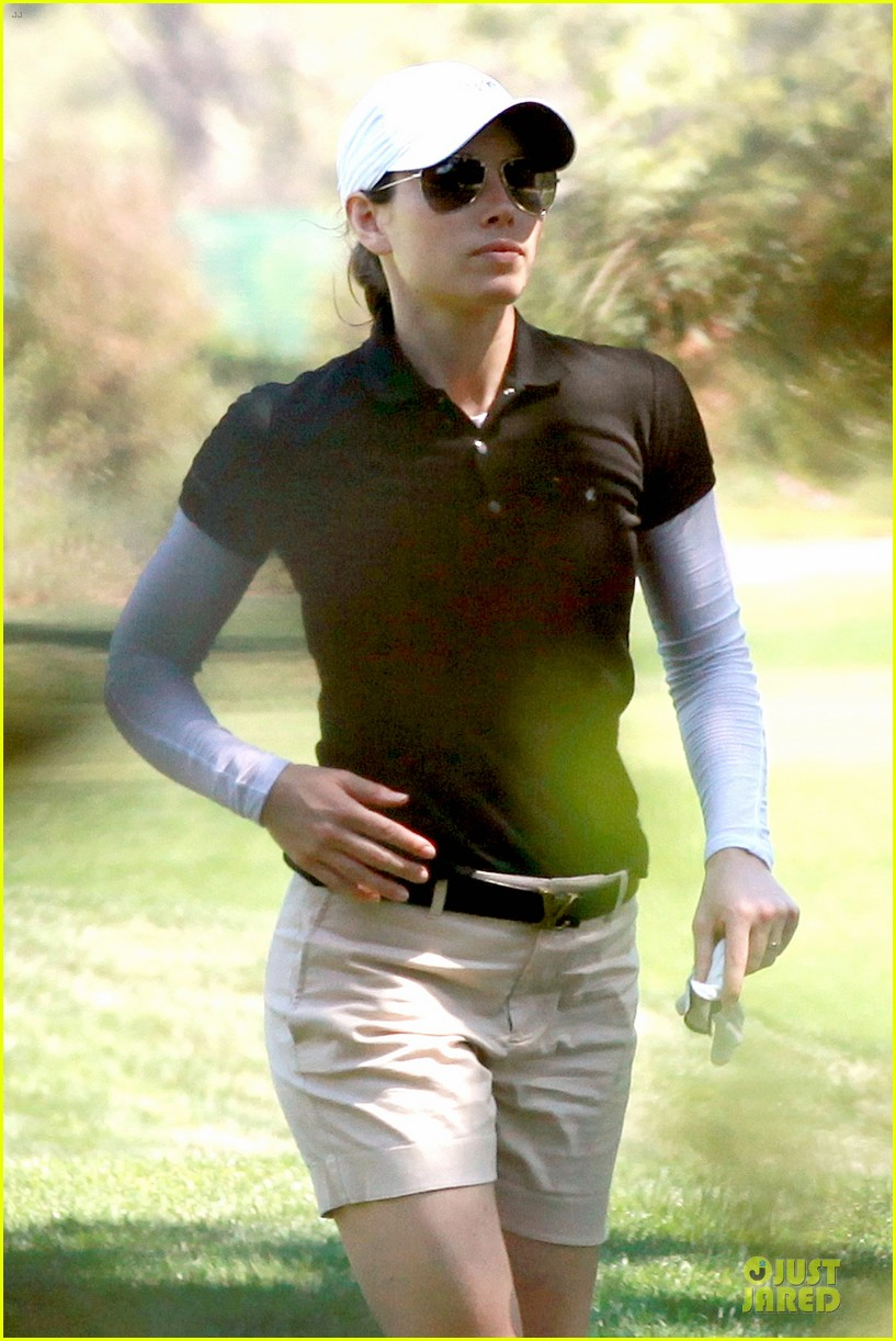 justin timberlake gets jessica biel to play golf 073147138