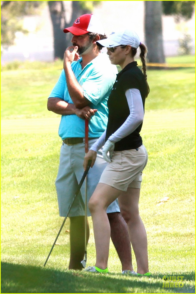justin timberlake gets jessica biel to play golf 183147149