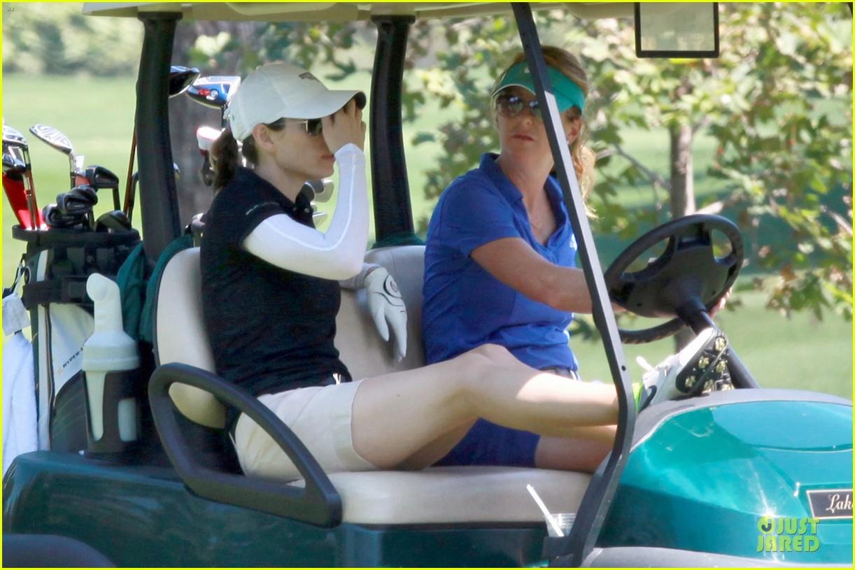 justin timberlake gets jessica biel to play golf 253147156