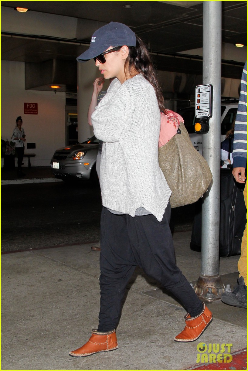 pregnant rachel bilson hayden christensen return from barbados 013139458