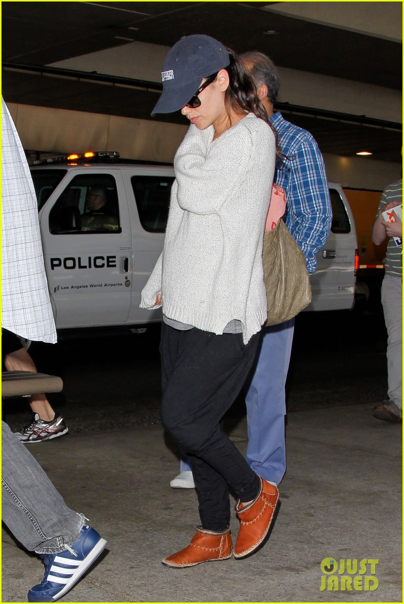 pregnant rachel bilson hayden christensen return from barbados 093139466