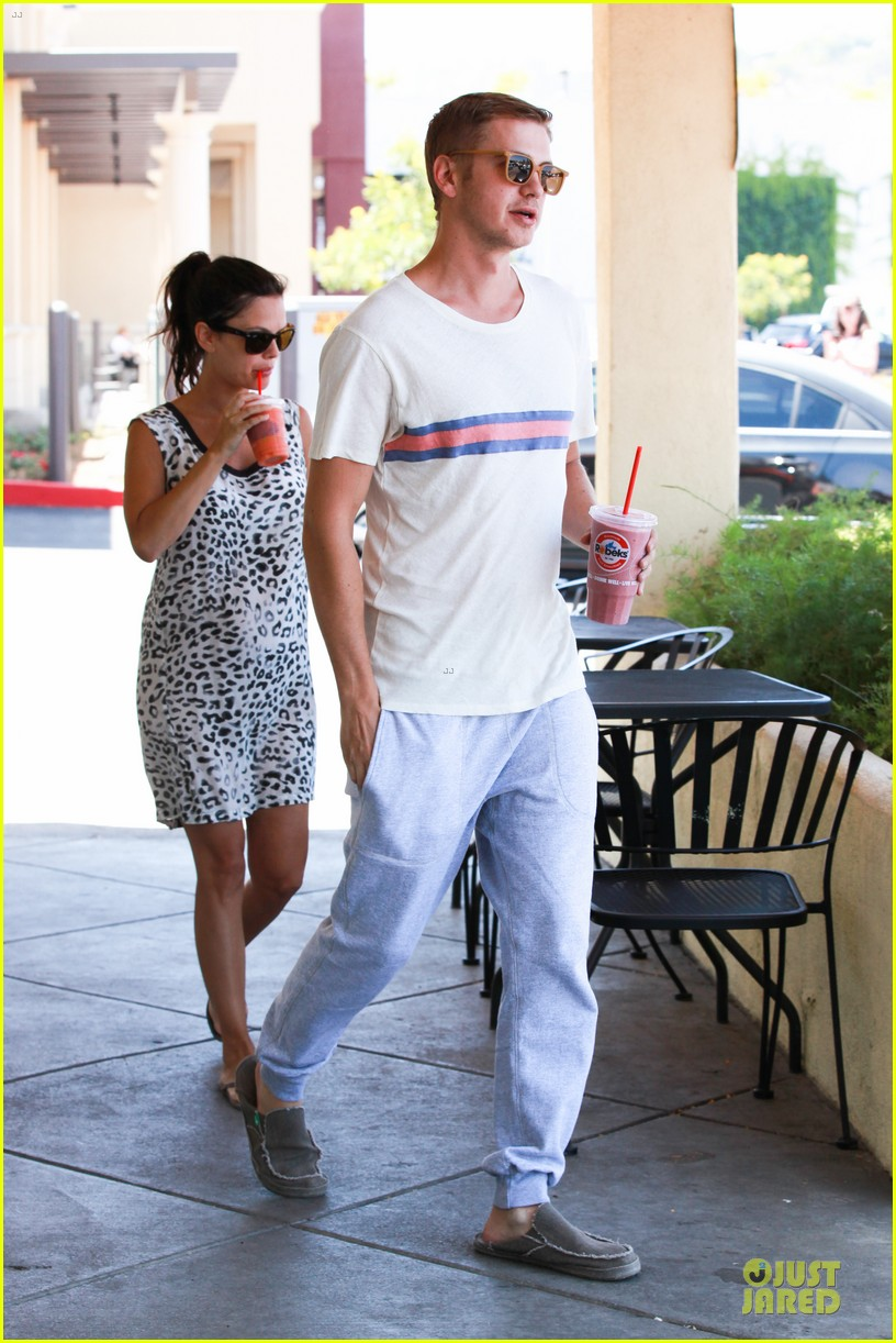 rachel bilson hayden christensen stay healthy with smoothies 063144904